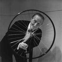 Marcel Duchamp photographed by Eric Sutherland at Walker Art Center, October 1965